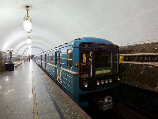 В московском метро установили табло, неудобное для пассажиров