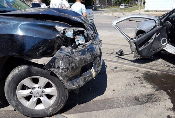 В Самаре произошло смертельное столкновение Toyota и LADA