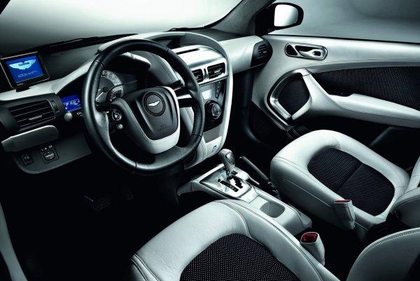 Aston Martin выпустил 435-сильный хэтчбек V8 Cygnet