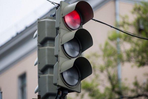 В Нальчике водители жалуются на работу «скоростного» светофора