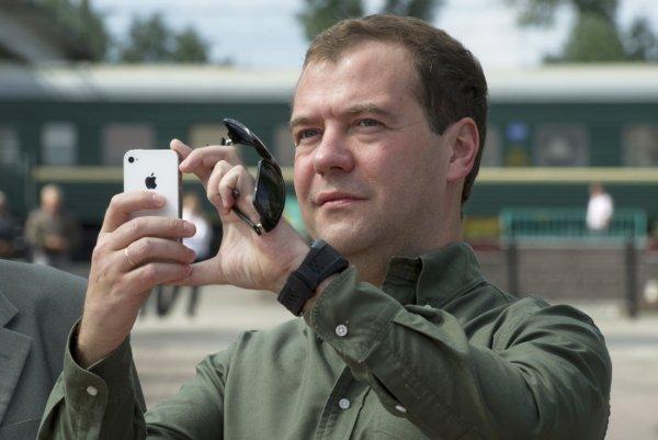 «Раздайте кнопочные»: Лена Миро раскритиковала трату 160 миллиардов на телефоны чиновникам