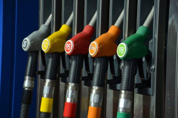«Будет как в ДНР»: В России до бензин может подорожать до 53 рублей