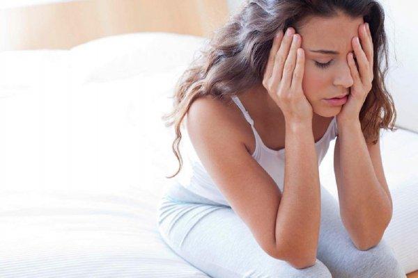 Ученые разгадали секрет частых приступов мигрени у женщин