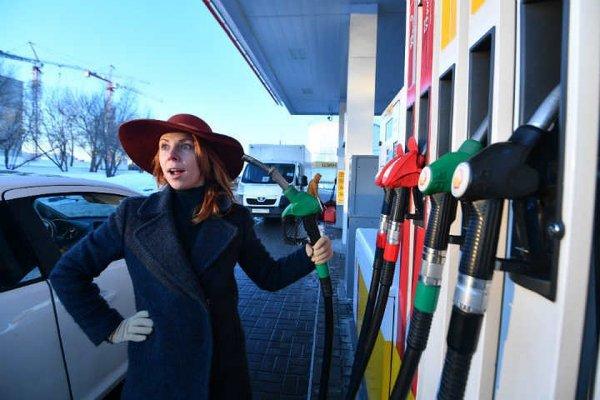 Цена за литр бензина в Ростове может перевалить за 50 рублей за литр