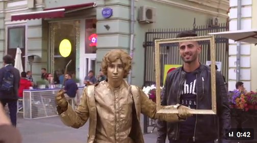 В российской столице можно сделать фото с живыми статуями