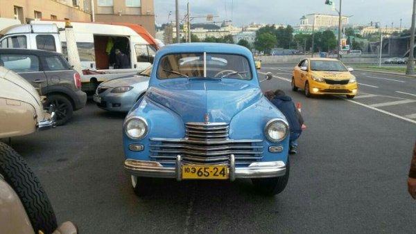 В Москве выставили на продажу авто из фильмов про Высоцкого и дочь Сталина