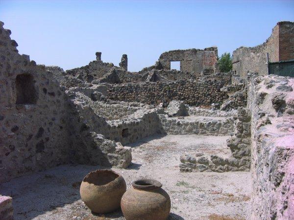 Учёные нашли новые исторические артефакты на раскопках в Помпеях