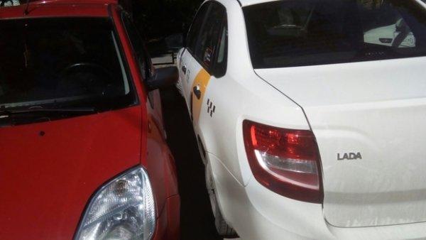«Спасибо за разминку»: Водитель «Яндекс. Такси» заставил тюменку вылезать через багажник