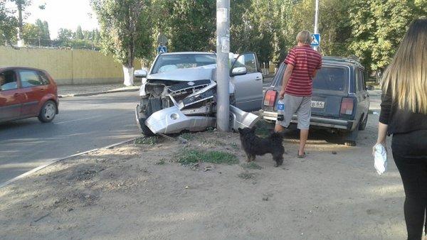 Женщина на Hyundai столкнулась с пенсионеркой на Suzuki – есть пострадавшие