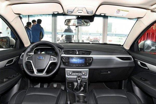 Новый седан Geely Emgrand 7 поступит в продажу в РФ через неделю