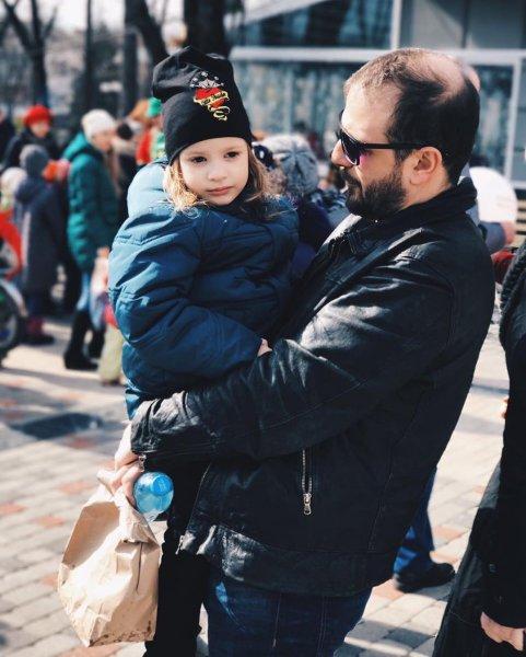 В Минтруде назвали число уходящих в декрет мужчин в России