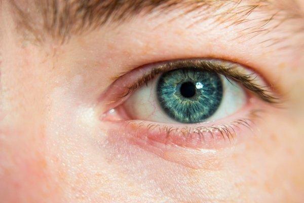 Учёные назвали восемь привычек, разрушающих зрение