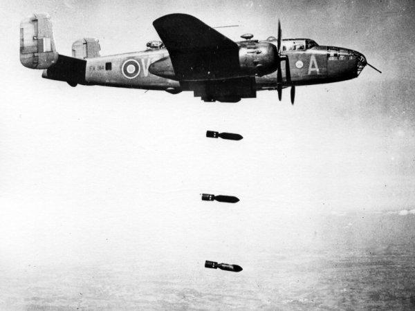 Бомбардировки авиации во время Второй мировой войны ослабили ионосферу Земли
