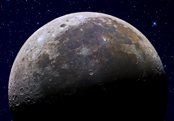 Ученые рассматривают возможность строительства на Луне телескопов