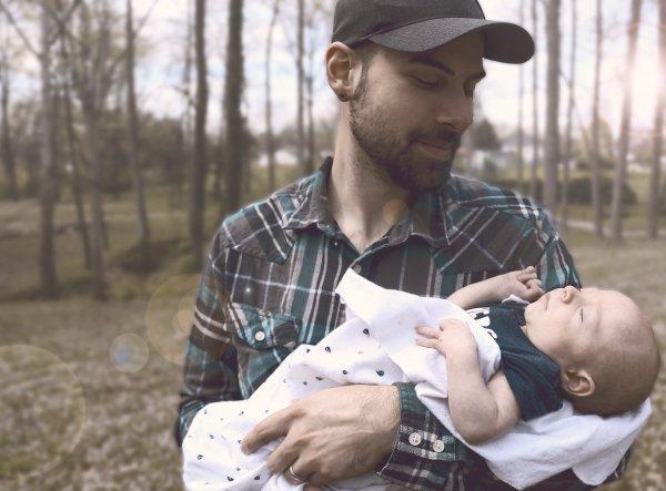 Через пять лет мужчины смогут кормить младенцев грудью - Учёные