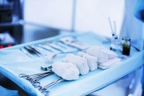 Чатботы улучшают результаты после операции по замене сустава