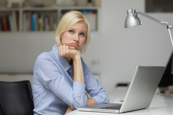 Женщины склонны к ожирению при большой нагрузке на работе – учёные