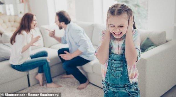 Ученые: Мужчины, которые кричат на беременных женщин, могут повредить слух будущего ребенка