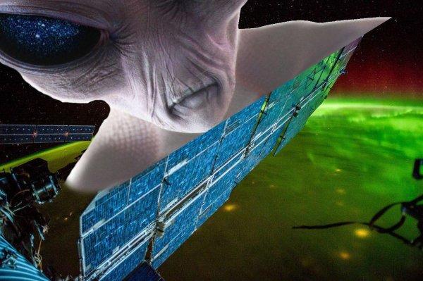 «Дебоширы с Нибиру?»: Дыра в корпусе МКС могла быть сделана инопланетянами — новые доказательства
