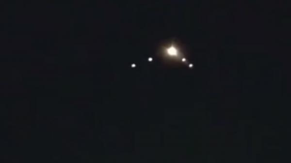Нибиру начала вторжение: Боевое звено НЛО над Астраханью снял очевидец
