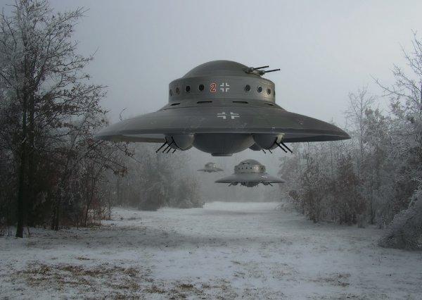 Проиграли битву за Москву? Пришельцы с Нибиру быстрее нацистов атаковали Россию - уфолог